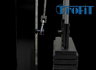 Detail zdvojení zátěže přesunutím karabiny mezi dvěma šrouby s fixací maticí